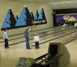 Cloud Peak Lanes - Kids Bowling